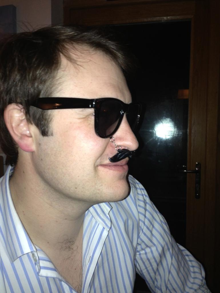 Moustache glasses-Oliver