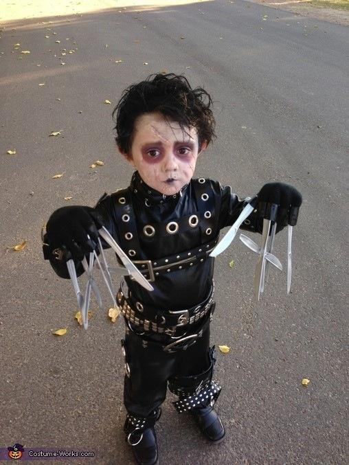 Mini scissor hands costume