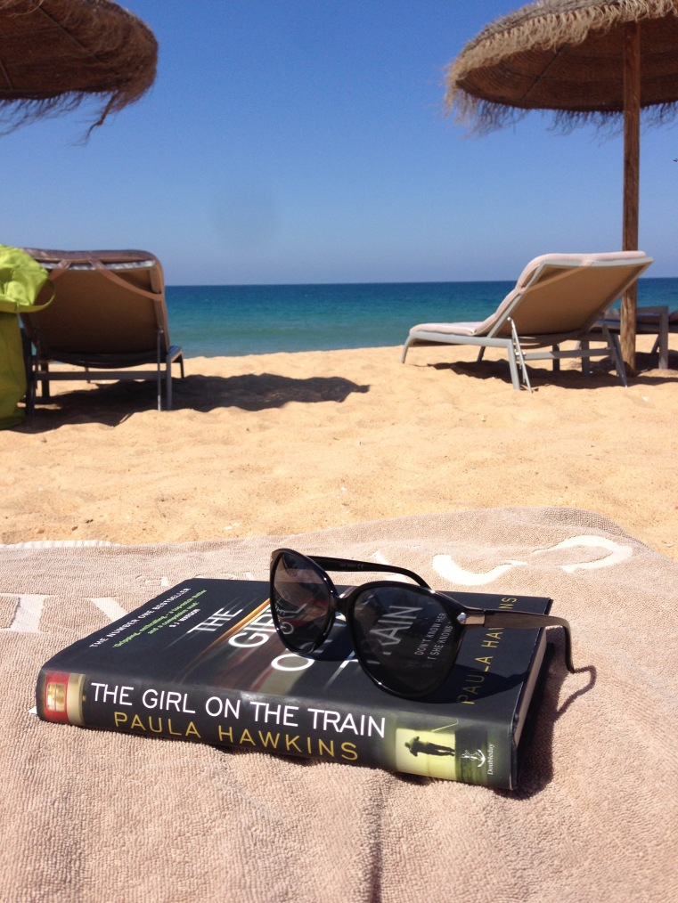 The-girl-on-the-train-by-Paula-Hawkins