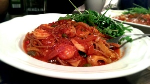 Chilli garlic fennel prawn linguine